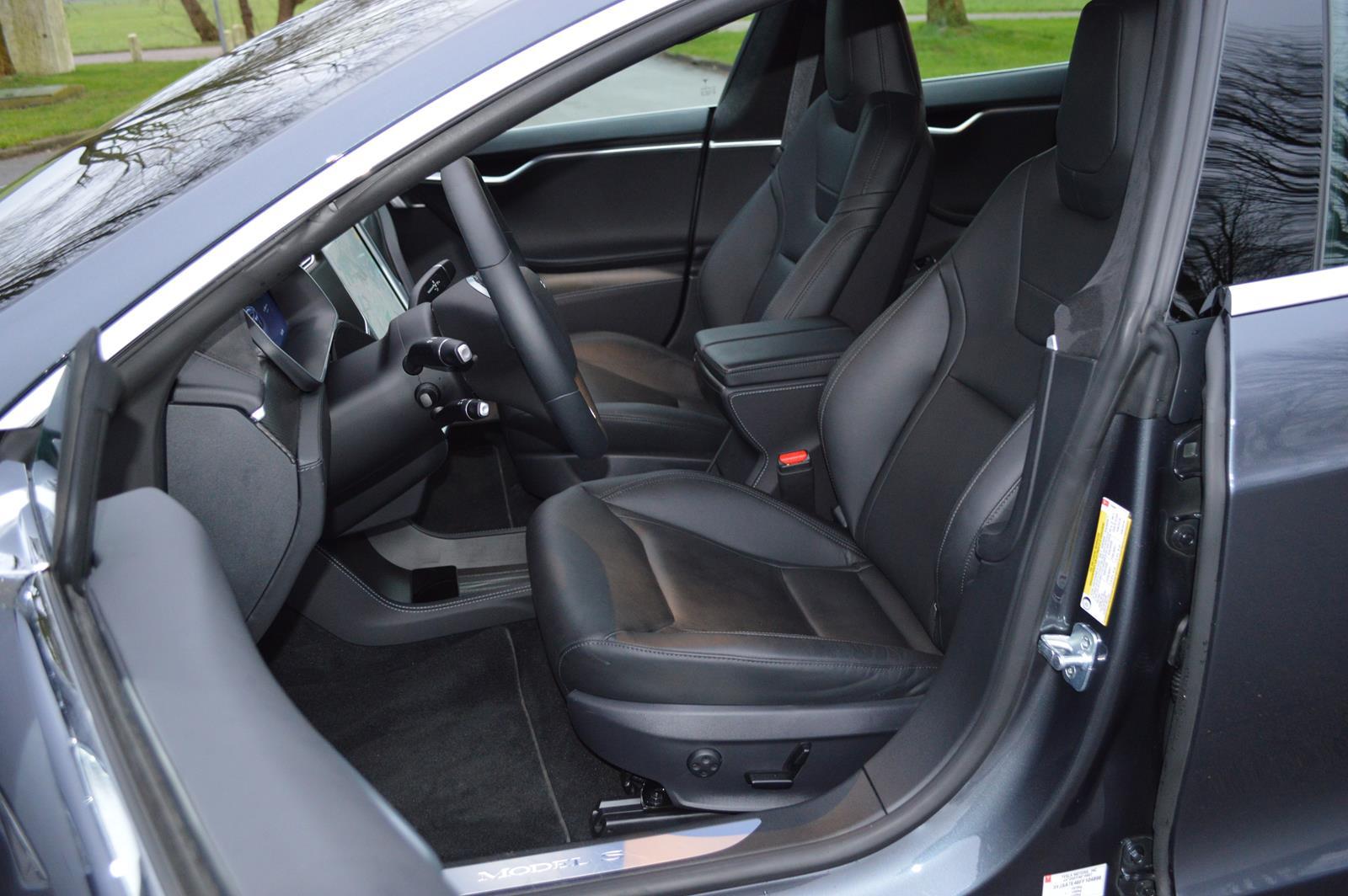 Tesla model s p90d review technieuws for Interieur tesla